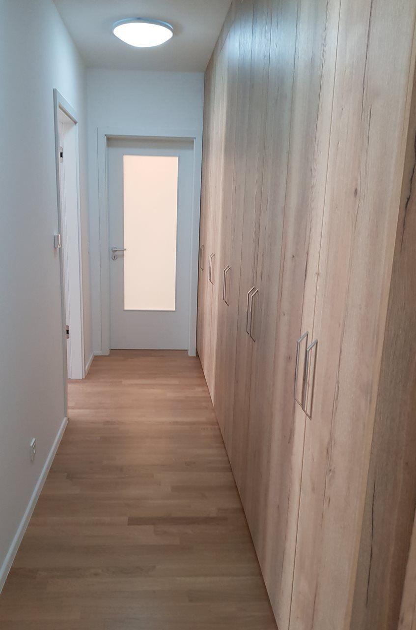 hodnik-z-garderobo